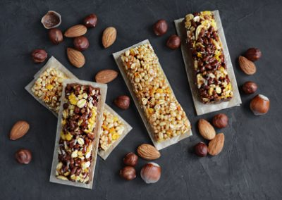 Cereal bars with nuts