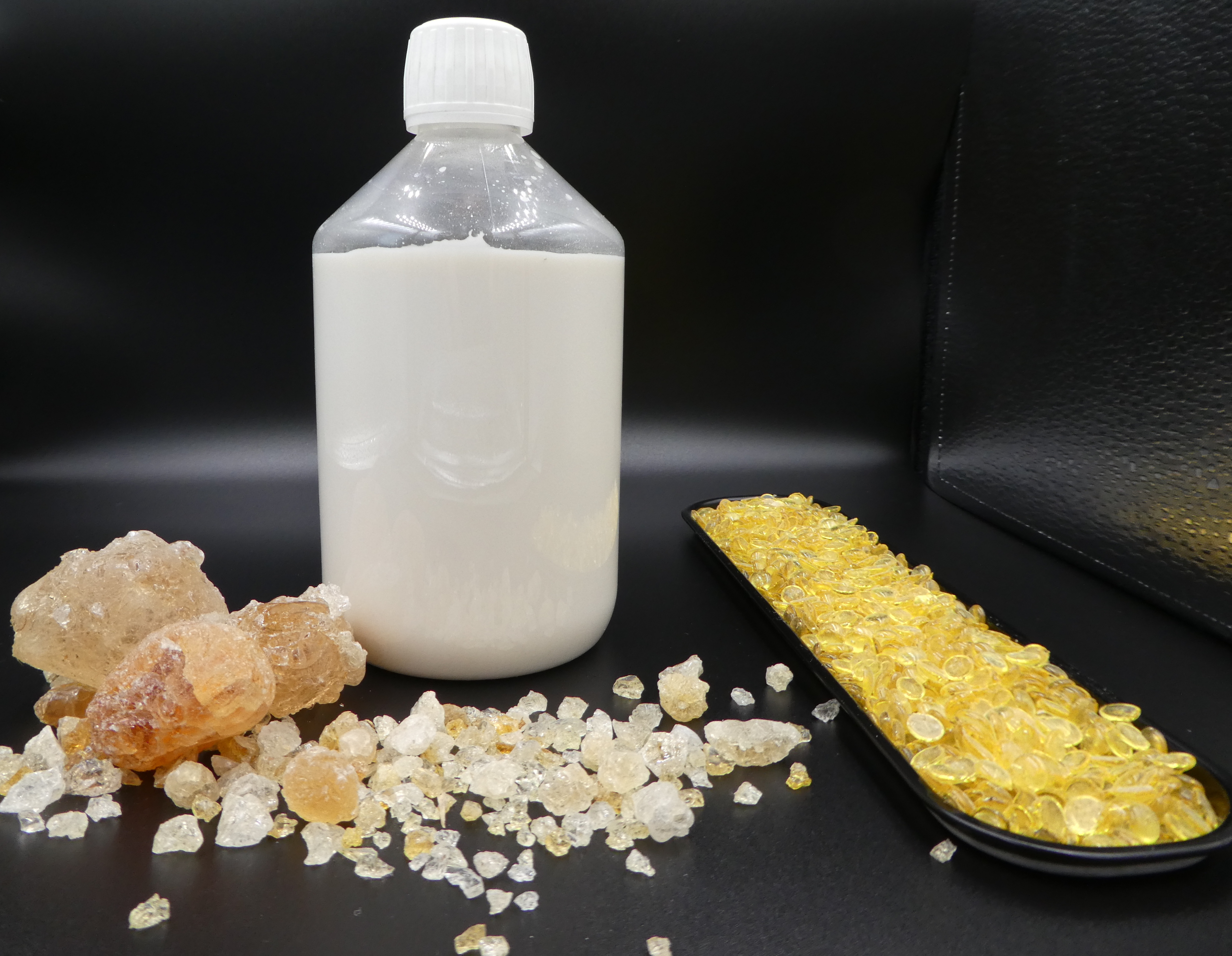 Many customers have problems to make flavoured emulsions for beverages. That's why Caragum's scientists find a way to homogenize water and fat phase by using Caragum EM CG108 and Cararosin BG CG389.